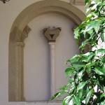 Villa d'Este: capitello a stampella con colonna_Foto_Roberto_Borgia_2006