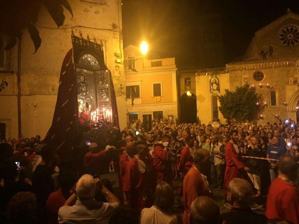 Macchina_SS_Salvatore_Piazza_Trento_14_agosto_2017_courtesy_Roberto_BORGIA