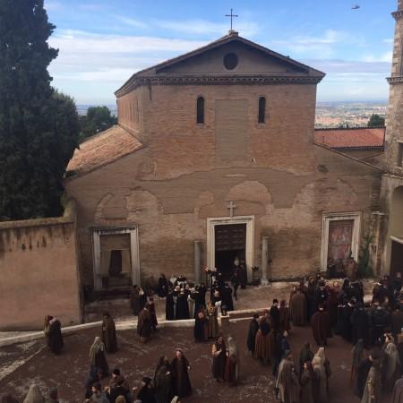 _Medici_a_Piazza_Campitelli_3