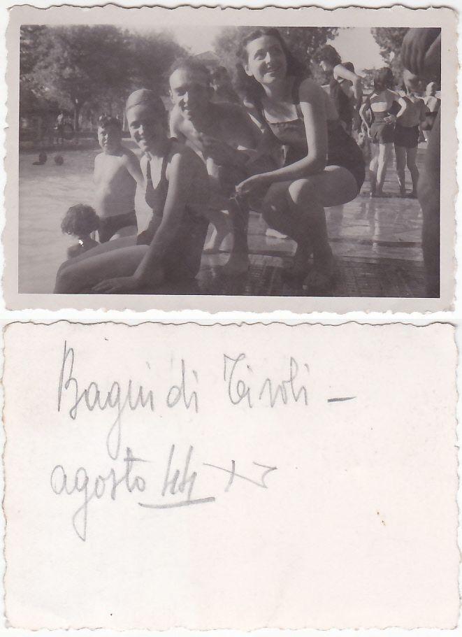 Bagnanti alle piscine di Bagni di Tivoli, agosto 1944.