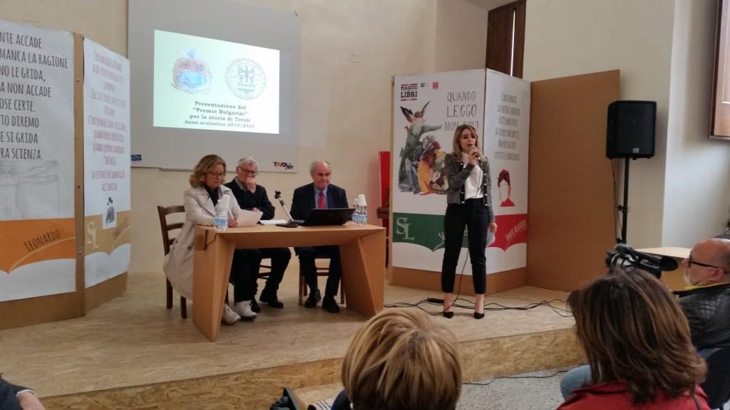 La dott.ssa Valeria Roggi, del Consiglio della LUIG, presenta le attività della V Rassegna SeminarLIbri e introduce la presentazione del Premio Bulgarini