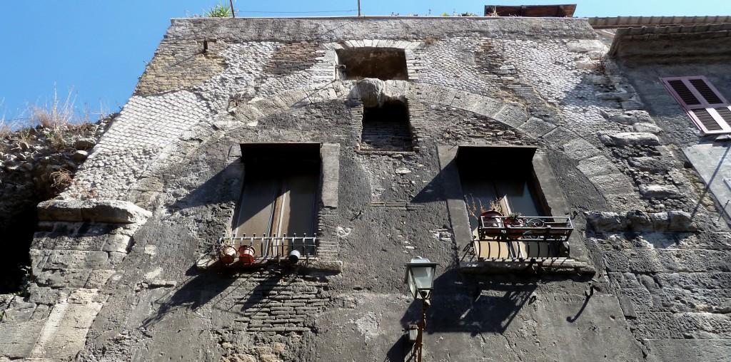 """Fig. 3. """"Mercato coperto"""": l'arcata del fornice"""