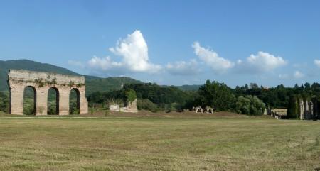 Fig. 3. Arcate e piloni dell'Anio novus (lato Ovest)