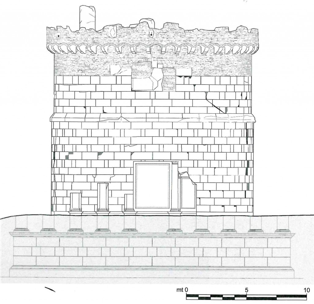 Fig. 4. Rilievo con ricostruzione parziale del prospetto architettonico verso la via Tiburtina (da S. Impeciati, 2006)